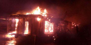 У Києві вщент згорів ресторан. ВІДЕО