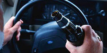 На Прикарпатті працівника СБУ спіймали поблизу готелю п'яним на службовому авто: його звільнили і штрафували