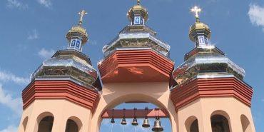 На Коломийщині спорудили нову дзвіницю та каплицю. ВІДЕО