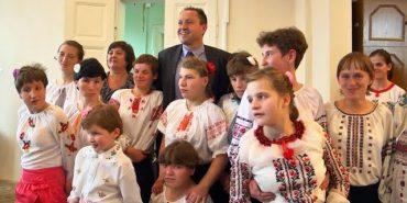 Будинок-інтернат у Коломиї отримав подарунки від уряду Угорщини. ВІДЕО