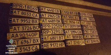 Після вчорашньої негоди франківська поліція розшукує власників понад 70 номерних знаків. ФОТО