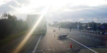 У Коломиї вантажівка збила мотоцикл. ФОТО