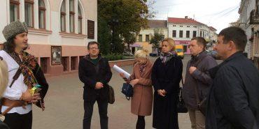 Актор Коломийського драмтеатру переміг у конкурсі на кращу екскурсію Коломиєю. ФОТО