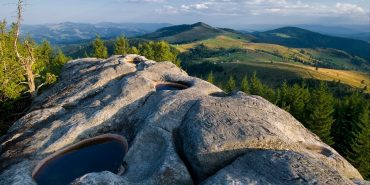 Прикарпатців кличуть в суботу на толоку на Писаний Камінь