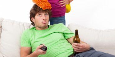 Дослідники пояснили, чому татусі байдикують 100 хвилин у вихідні, а мами лише 49