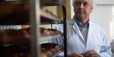 Як шкільну кочегарку на Коломийщині перетворили в унікальну хлібопекарню. Історія успіху. ФОТО