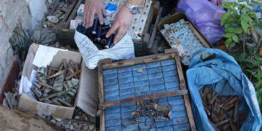 На Франківщині поліція знищила цілий арсенал боєприпасів. ФОТО