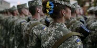 Майже 7 сотень військовослужбовців з Прикарпаття підуть служити за контрактом