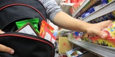 На Франківщині підліток намагався винести з супермаркету продукти на 700 гривень