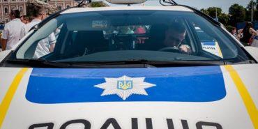 """Журналіст про свавілля """"старої системи"""" на Прикарпатті. Патрульного відсторонили через затримання п'яного екс-міліціонера"""
