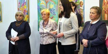 Гобелени, килими, мозаїка з соломи: у Коломиї презентували виставку мистецької династії Саєнків. ВІДЕО