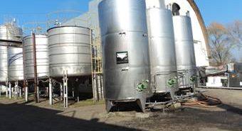 На Коломийщині підприємство переробляє за добу 120 тонн яблук. ФОТО