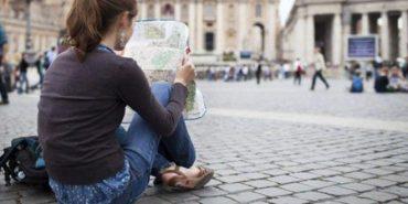Кожен другий молодий українець хотів би переїхати жити за кордон, – дослідження