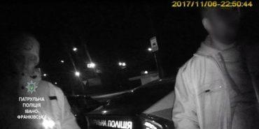 На Франківщині таксист побив пасажирів і викинув їх з авто