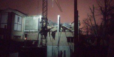 На Прикарпатті в новобудові обвалилася стіна: четверо травмованих, один загиблий. ФОТО+ВІДЕО