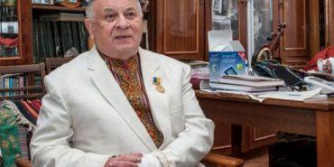 У Чернівцях помер відомий телеведучий з Коломийщини Василь Селезінка