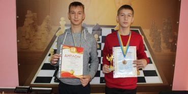 Юні шахісти з Коломиї привезли повний комплект медалей з Всеукраїнського шахового фестивалю. ФОТО