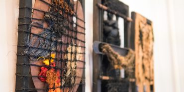 Текстиль як зброя: у Коломиї представили виставку гобеленів львівських дисидентів. ФОТОРЕПОРТАЖ