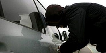 На Коломийщині обікрали два автомобілі – злодія затримали