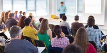 """""""Яка величезна різниця"""", – прикарпатка про батьківські збори в американських школах"""