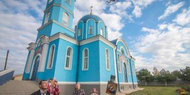Село під Одесою облетіла на дроні ікона Божої Матері
