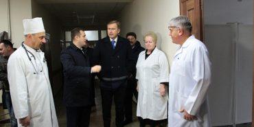Очільник Франківщини оглянув відремонтоване отоларингологічне відділення Коломийської ЦРЛ