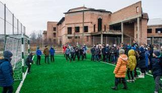На Коломийщині відкрили ще один майданчик зі штучним покриттям. ФОТО