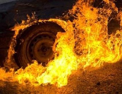Резонансна пожежа в Ужгороді: згорів автомобіль прокурора, - ЗМІ (ВІДЕО)