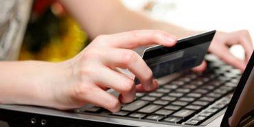 21-річна прикарпатка ошукала майже десяток людей через покупки в інтернеті