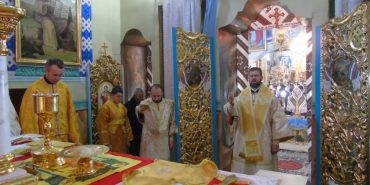 У Старому Гвіздці на Коломийщині відслужили першу Архієрейську Божественну Літургію українською мовою. ФОТО