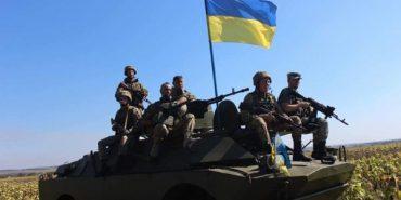 10 бригада, яка нині перебуває на передовій, зворушливо привітала українців зі святами. ВІДЕО