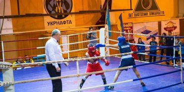 На Франківщині проходить чемпіонат з боксу серед жінок. ФОТО