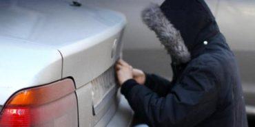 На Прикарпатті шахраї викрадають номерні знаки, щоб повернути за винагороду