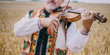 """""""Чоловік помер раптово"""" – дружина талановитого скрипаля з Коломиї Томенчука розповіла про причину смерті чоловіка"""