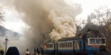 Потяг Київ-Івано-Франківськ задимівся на ходу