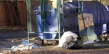 Мешканці вул. Сахарова у Коломиї нарікають на відсутність майданчика для смітників. ВІДЕО