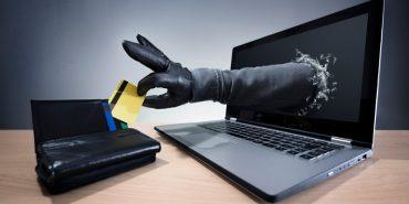 За минулу добу прикарпатці віддали інтернет-шахраям понад 17 тис. грн