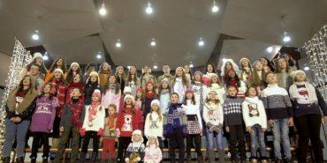 """""""Колядка для Янголів"""": діти Героїв Небесної Сотні заспівали особливу колядку. ВІДЕО"""