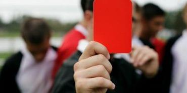 На Прикарпатті засудили футболіста, який вибив судді зуб