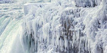 Ніагарський водоспад частково замерз. ФОТО