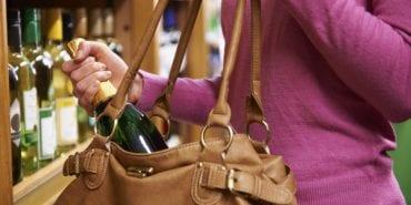У Коломиї троє дівчат хотіли поцупити з супермаркету алкоголь та шоколад