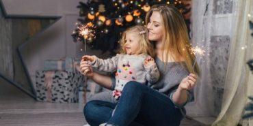 """Переможниця """"Модель XL"""" з Прикарпаття знялася в новорічній фотосесії з донькою. ФОТО"""