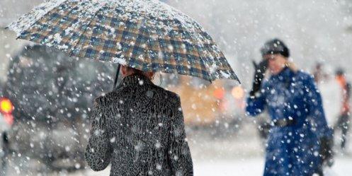 Сильний вітер, сніг, хуртовини: на Франківщині оголосили штормове попередження