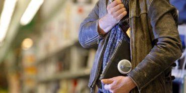 У Коломиї затримали чоловіка, який викрав елітний алкоголь у супермаркеті