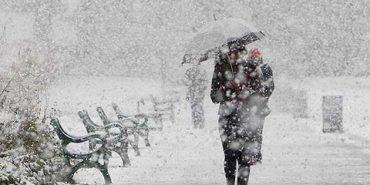 На Прикарпатті через снігопад без світла залишилося 46 населених пунктів