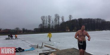 Олексій Гуцуляк з Коломиї проплив під кригою 61 метр і встановив рекорд України. ФОТО+ВІДЕО