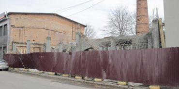 У Коломиї на будівництві зсунулася тимчасова металоконструкція – жертв немає