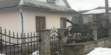 У Косові хату місцевого коваля охороняє гармата. ФОТОФАКТ