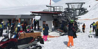 Через аварію підйомника на гірськолижному курорті у Грузії постраждали 10 людей. ВІДЕО