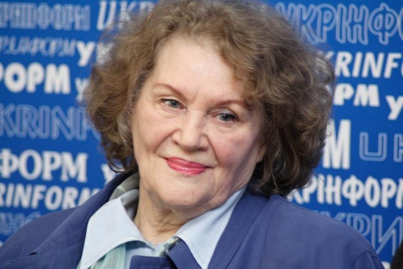 Ліна Костенко сьогодні святкує день народження: вірші поетеси у виконанні відомих українців